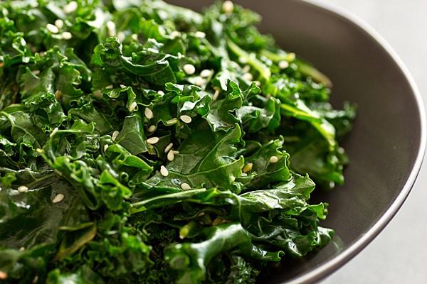 Salad cải xoăn vừa bổ dưỡng vừa ít calo