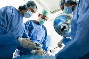 Có nên phẫu thuật điều trị ung thư không?