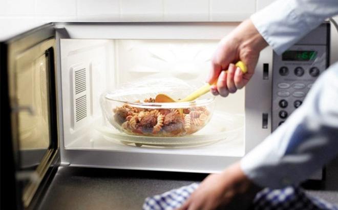 thực phẩm nấu bằng lò vi sóng tăng tế bào ung thư