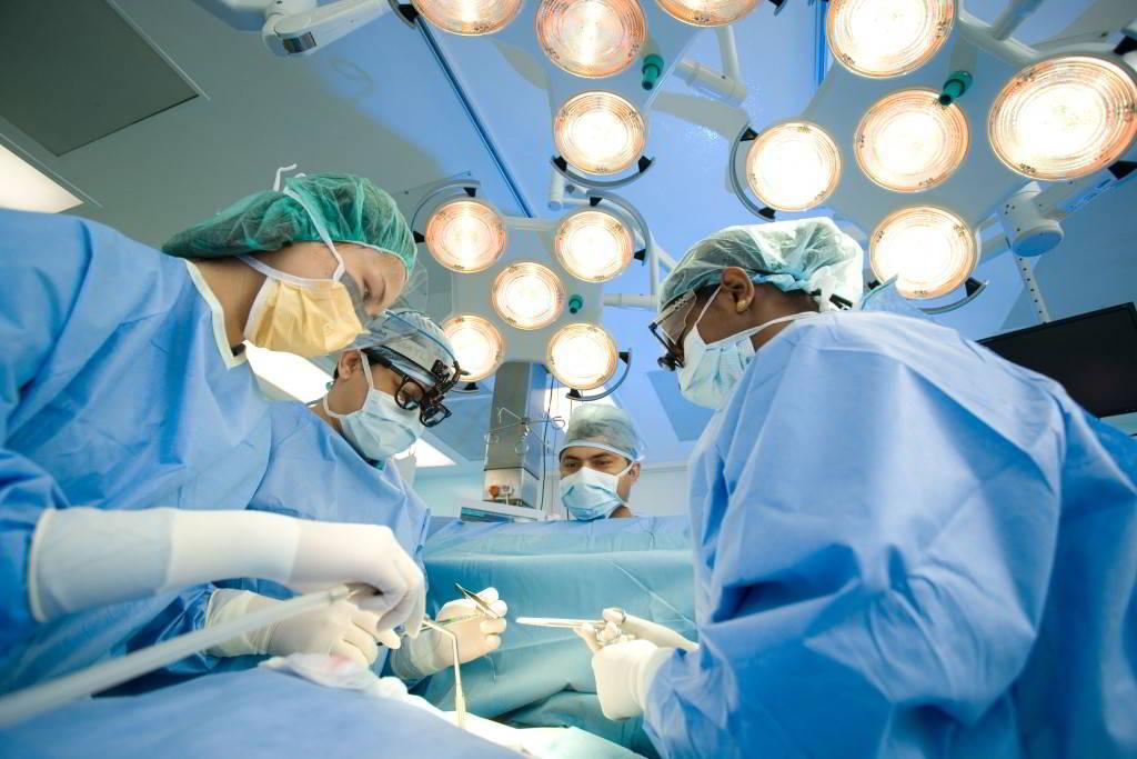 Phẫu thuật ung thư khí quản